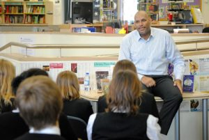 john-amaechi-speaking-to-pupils